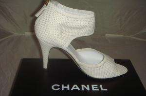 CHANEL WHITE LEATHER CUFF LOGO CHARM GOLD DOT HEELS SHOES 38.5