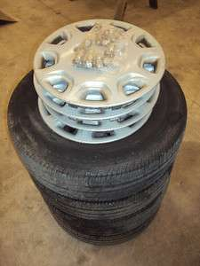 Toyota Camry Steel Wheel Rim And Tire Set of 4 with Hub Caps and Lug