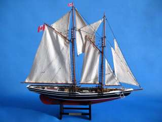 Bluenose Limited 24 Model Yacht Wooden Ship NEW