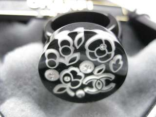 AUTH CHANEL BLACK WHITE CAMELLIA FLOWER CC CRYSTAL RING