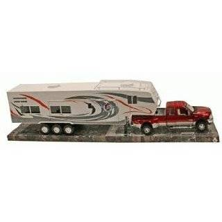 Die Cast Pick Up Truck with 5th Wheel Camper, 132