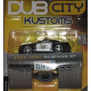 Dub City 164 2006 FORD MUSTANG GT Highway Patrol Car Toys & Games