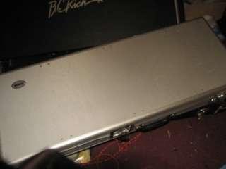 Washburn USA WI68 Customized Custom Shop Guitar  Black & Gold