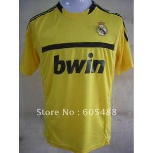 real madrid goalkeeper uniform soccer jersey+ gifts