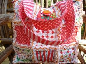 CUSTOM MADE RAG QUILT TOTE ~ RED LIPSTICK ~
