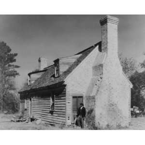 early 1900s photo Huggins House, Princess Anne Co., Virginia. Johnston