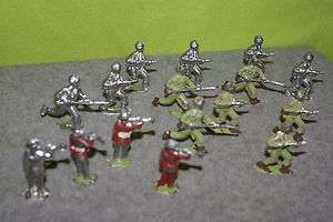 TOY ARMY MEN TOY SOLDIERS LEAD METAL SOLDIERS VINTAGE TOY LEAD ARMY