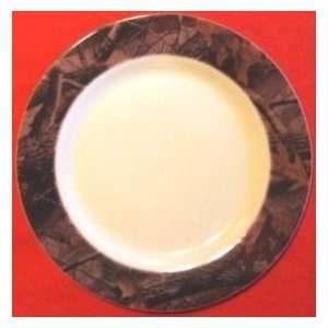 Realtree Hardwoods Camo 10 Plastic Plate (Sturdy Melamine